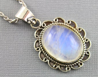Rainbow Moonstone Pendant, 925 sterling silver pendant, Silver Pendant, Pendant for Necklace, Rainobow Moonstone, Artisan Pendant, (SP-7040)