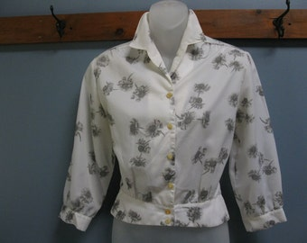 Vintage 1950's White Daisy Peplum Blouse Grey Floral Top