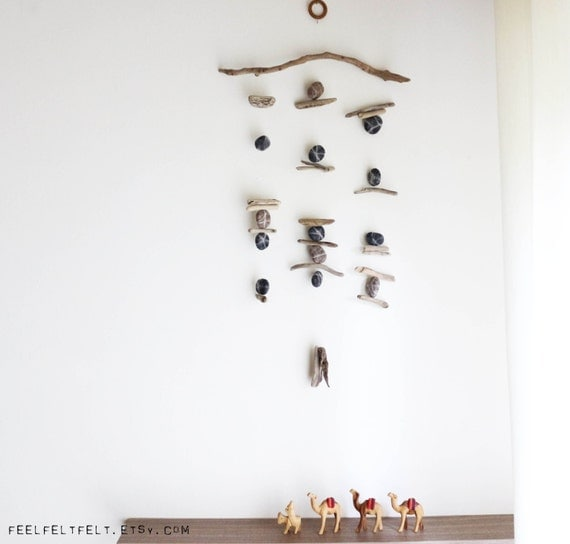 Driftwood Hanging with Felt Pebbles -- Wooden Mobile with Felt Rocks -- Rustic Interior Design -- Nautical Decor -- Ready to Ship