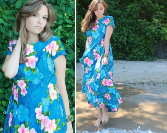 "Vintage Hawaii MAXI DRESS Ocean Blue HAWAIIAN Pink Hibiscus Floral Print ""Ui-Maikai"" Tropical Summer Beach House Gown Women's Medium Size 12"
