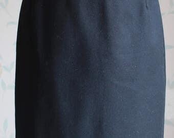 MAX MARA Black Pencil SKIRT in Wool Uk Size 10 Beatifully tailored garment