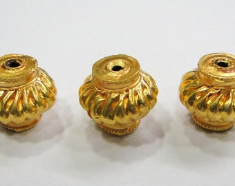 Vintage handmade 22K Gold jewelry beads set of 3 pieces rajasthan india