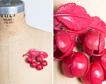 Vintage 1930s Celluloid Leaf Brooch with Dangling Blossoms