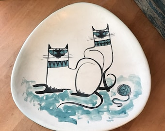 MCM Sophisticated Siamese Cat Plate