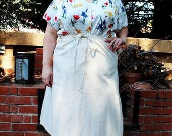 CLEARANCE - FINAL SALE - Plus Size - Vintage Cream A-Line Faux Tie Knee Length Skirt (Size 16/18)