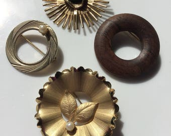 Vintage Lot of 4 Round/Wreath Brooches - FREE USA SHIPPING