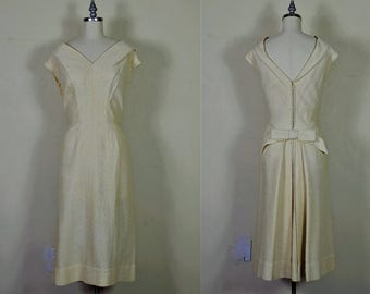 """Early 1960s Cream & Gold Lurex Wiggle Hourglass Dress Bust 40"""""""