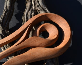 Circle shaped Hairfork, handcaved from Alder Wood