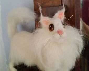 Needle felted Maine Coon cat