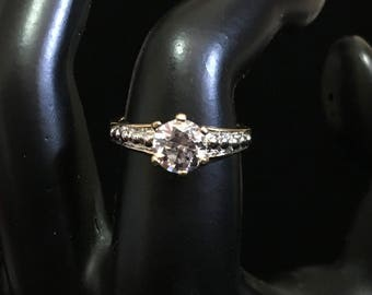 Solitaire Cubic Zirconia 14KT HGE LIND Ring