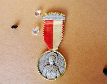 Collectible Medal, Swiss Shooting Medal, Woman 1969, Les Costumes Nationaux, Saint Woman Pin, Satin Silver Metal, Red White Ribbon Award