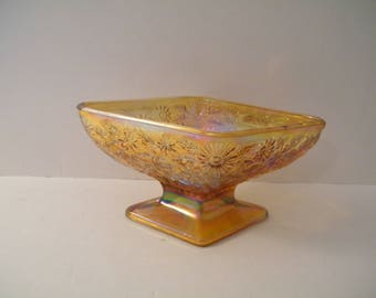 Indiana Glass Marigold Daisy and Diamonds Candy Dish, footed press glass dish is 3 inches tall, pretty vintage trinket dish for dresser