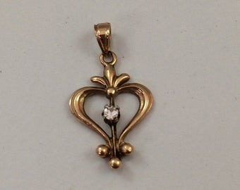 Edwardian 10kt Yellow Gold Diamond Pendant Circa 1915-1920