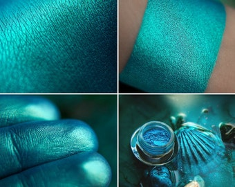 Eyeshadow: Coral Reef Mermaid - Mermaid. Deep blue-green eyeshadow by SIGIL inspired.