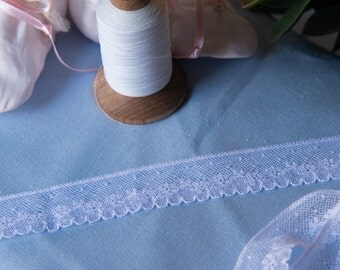 "French Valenciennes Lace- (LFV1EDG893) 1"" edging"