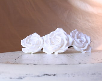Hair bobby pin polymer clay flowers. White roses on bobby pins . Set of 4.