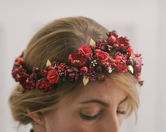 Flowers & berries floralcrown · brass leaves · flowerscrown · tiara · bridal · wedding headpiece · romantic · boho · bride · Wedding guest