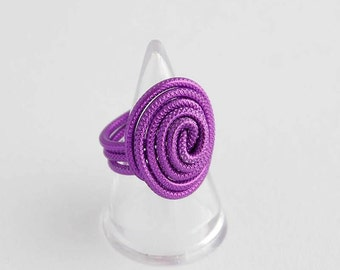 Wire ring purple
