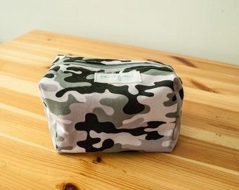 Snow Camoflauge boxy zip bag-Large