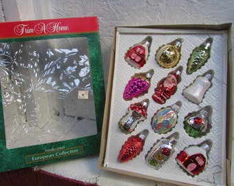 12 Glittery Hand Decorated Glass Chistmas Tree Ornaments.  European Craftsmen. In Original Box. Handpainted. VINTAGE