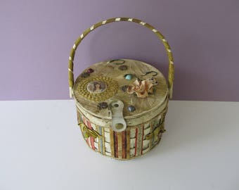Vintage 60's Soure Bag New York Decorated Wicker Handbag