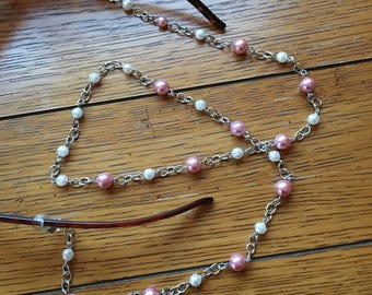 Eyeglasses Chain. Pink and White Pearl. Silver chain.