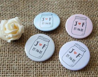 En vrac offre - amour excentrique Jam Jar design mariage Badges / faveurs de mariage
