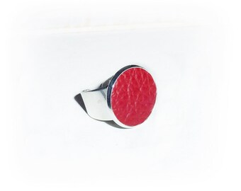 Ring, leather