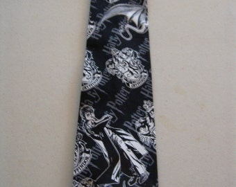 Harry Potter Crest and Character Necktie
