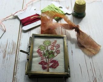 hand embroidery/framed embroidery/hand embroiderd/floral embroidery/miniture embroidery/hand stitched /fibre arts /uk sellers /kiko frame