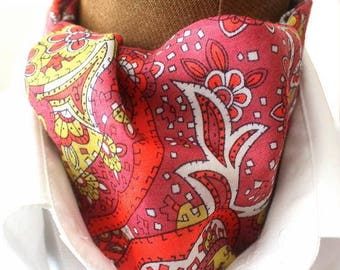 Ascot,men ascot,Ascot tie,different reds,Paisley