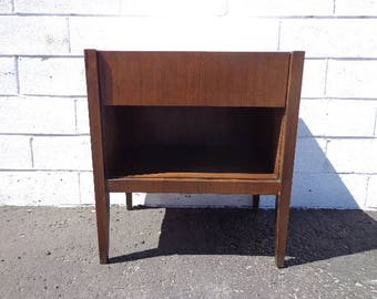 Nightstand Mid Century Accent Table MCM Bedside Storage Walnut Finish Danish Eames Style Vintage Bedroom Furniture End Side Table Record
