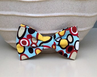 Dog Bow / Bow Tie - Retro Colored Ovals on Lt Blue