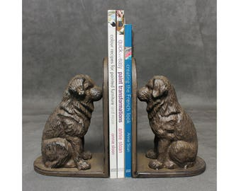 Pair of Cast Iron Dog Bookends. Old rustic heavy duty book ends sitting dog traditional vintage antique style door stop dog ornament large