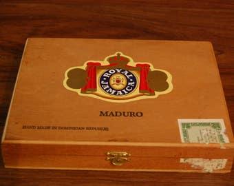 Vintage wood cigar box, vintage storage, vintage cigar, cigarette collectible, tobacciana, vintage home decor,