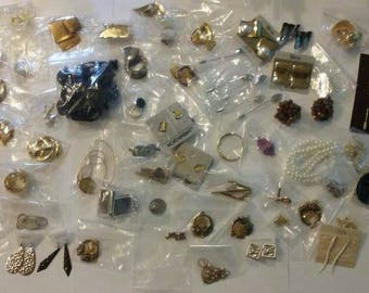 VIntage 50+ finished jewelry old stock T5152