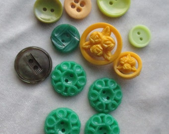 Vintage Buttons: Green and Yellow
