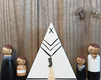 Modern Indian Tribe Peg Doll Family with Teepee