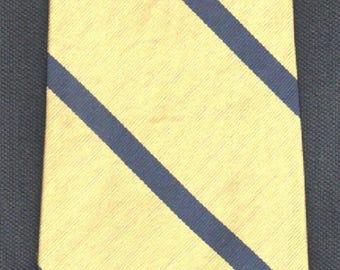 Silk Tie Hilfiger Conservative Club Repp Stripe Tie -Please Check Our Two Photos Our Excellent Customer Feedback And Our Free Shipping Offer
