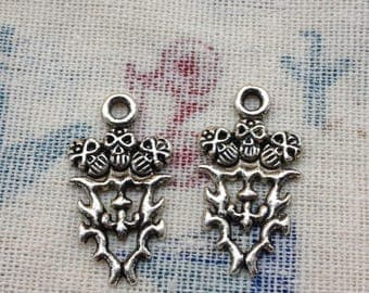 SALE--30pcs antique silver skull charms Size:16mmx28mm