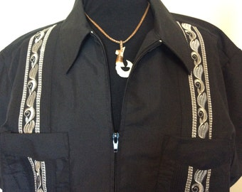 Black Zip-Up Guayabera shirt - XL