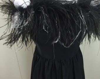 Vintage Black Party Dress Gown Evening Full Sweep Feather Bodice Glamorous S 7/8