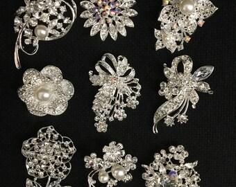 Clear crystal rhinestone brooch use for wedding bouquet . Bridal sash , flower embellishment , wedding favor, wholesale brooch