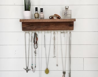 Necklace wall hanger