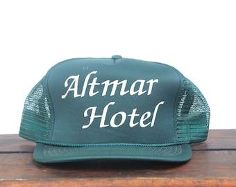 Vintage Altmar Hotel Inn Motel Minimal Forest Green Trucker Hat Snapback Baseball Cap