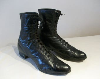 Handsome Victorian / Edwardian lace up ankle boots US 6 1/2 / UK 4 1/2 granny boots