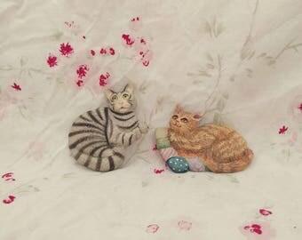 Tabby Cat Magnets (Set of 2). Magnet Set. Vintage Magnets. Vintage Cats.
