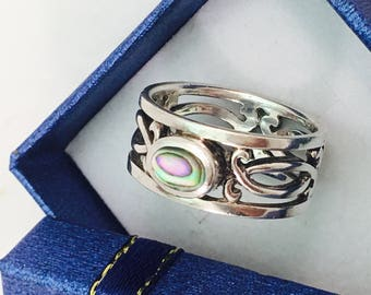 Vintage Thai Sterling Silver and Abalone Wide Band Ring - Size 9 - 6.3 Grams