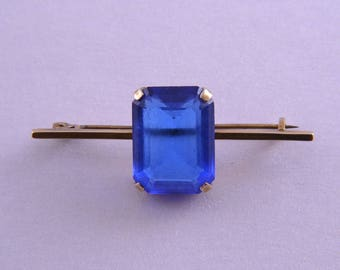 9ct Yellow Gold Retro Brooch With A Blue Stone (28i)