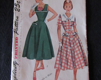 Vintage Simplicity Pattern 1950's Dress Full Skirt Teen Size 14  Complete with Instructions